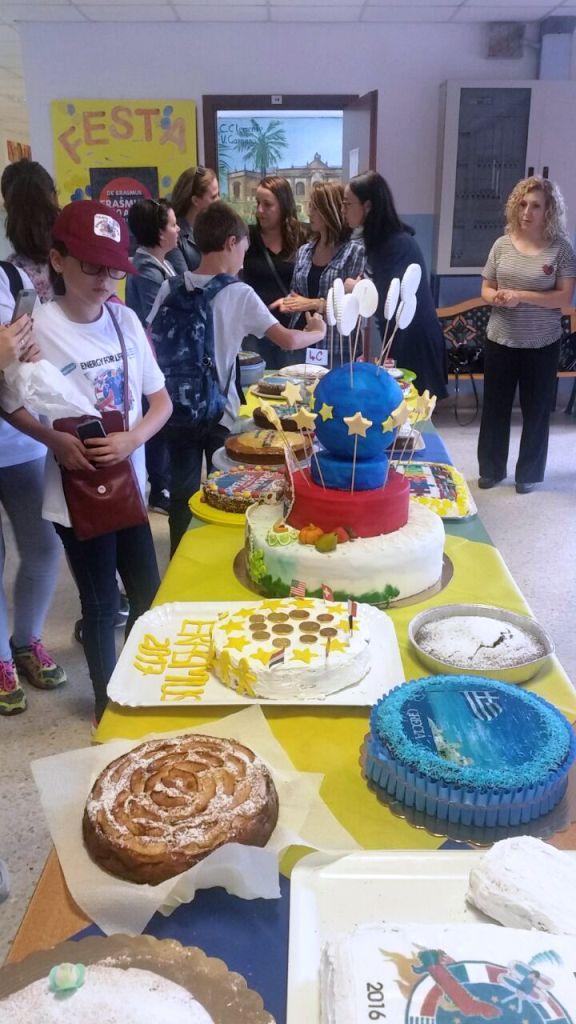 """Proiectul Erasmus, care se desfăşoară la Şcoala gimnazială """"Elena Doamna"""" Tecuci - 2"""