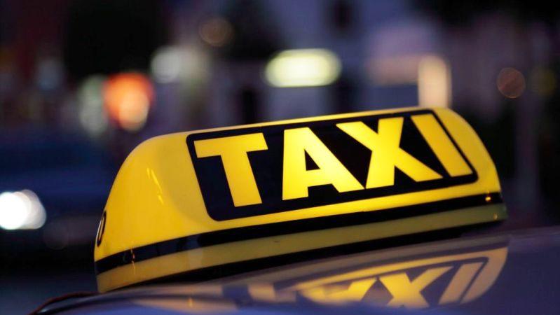 Reprezentanții transportatorilor în regim de taxi invitați la dezbateri